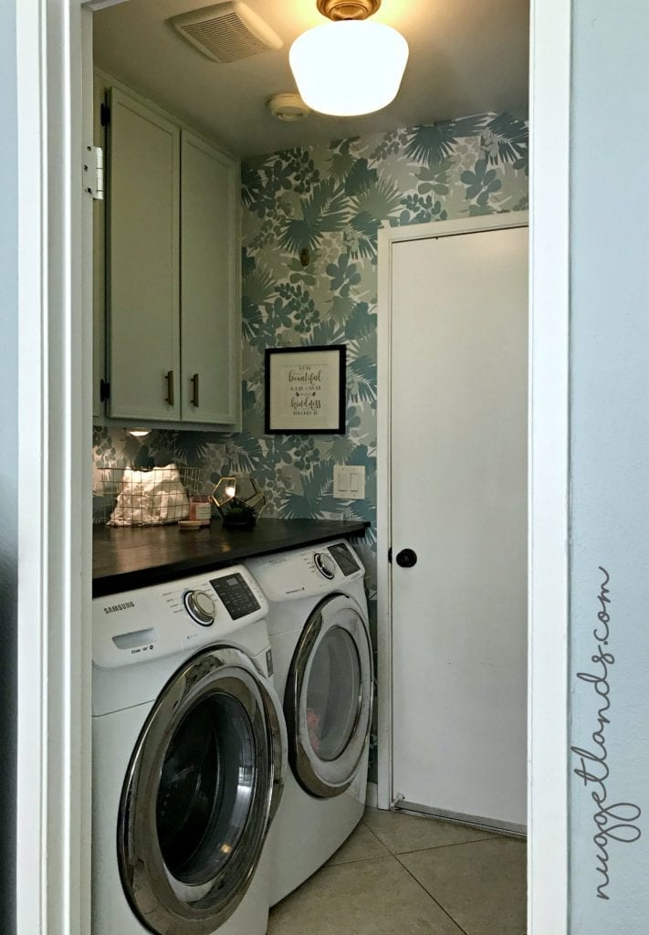 Laundry Room Makeover DIY